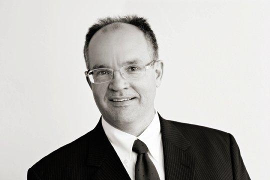 Robert J Reynolds